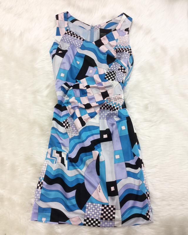 出会いの春に向けてワンピースを♪トレンドで爽やかなブループッチ柄の生地<br />A new dress for new spring encounters♪with fashionable blue Pucci pattern