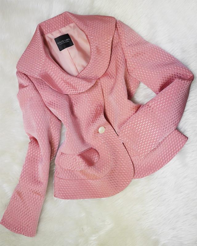 甘~いイチゴみるくなピンクのショート丈ジャケット♪シルク混生地で甘さも上質。高級感いっぱい<br />Sweet Strawberry milky pink short jacket ♪ High quality Silk mixed fabric. Full of luxury for you
