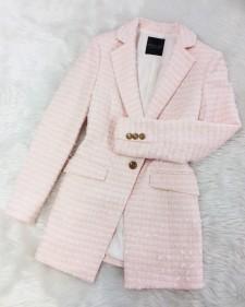 さくらピンクのセミロングジャケット♪甘くかっこよく 英国リントン高級ツイード<br />Sakura Pink Semi Long Jacket ♪ Sweet and Cool, British Linton high-end Tweed