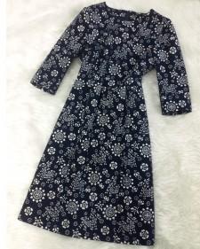 着物生地を使用したエレガントなワンピース♪<br />Kimono fabric made into a elegant dress♪