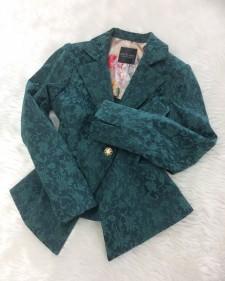 深いグリーンの織柄模様 ♪ ジャケットを脱ぐ季節。ひときわ目を引く個性的な裏地はいかが<br />Deep green woven fabric ♪ When it gets warm, take off your jacket and show off the unique lining!