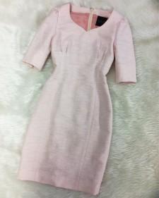 パステルピンクの明るいサマーツイードのワンピース♪オペラやクラシックのコンサートにもピッタリ<br />A light pastel pink summer tweed dress♪Great to wear to the opera or a classic concert