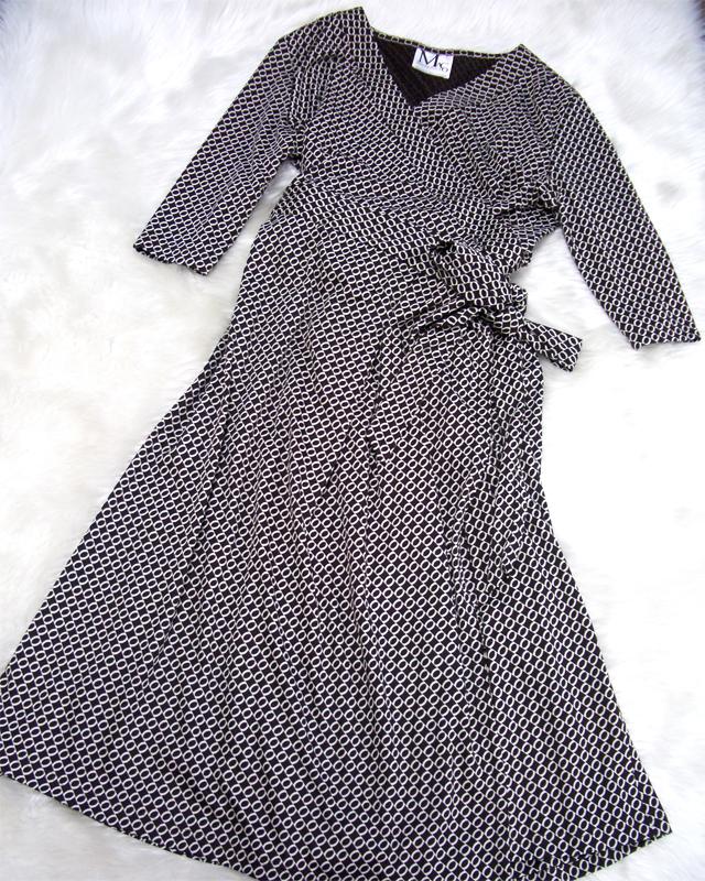 ディナーデートのコーディネートにも!♪黒とベージュ柄のカッシュクールワンピース<br />Wear for a dinner date♪Wrap dress with black fabric with beige print