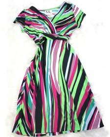 着回しバツグン♪フレッシュな色使いのドールワンピース<br />A fresh colored doll dress. Great for many occasions.