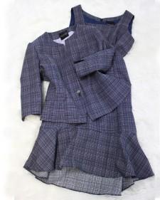 綺麗な紺と白柄のワンピース&ジャケットのアンサンブル♪<br />Beautiful navy and white fabric made into dress and jacket set
