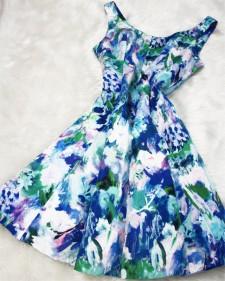 大人可愛いノースリーブ サーキュラーワンピース ♪水彩花柄の綺麗な生地<br />Cute sleeveless circular dress♪The flowers look like water color