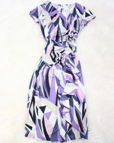 普段のお出かけにも♪オシャレなプッチ柄生地で豪華なワンピース<br />For everyday outing. The dress which is luxurious with stylish Pucci pattern fabric