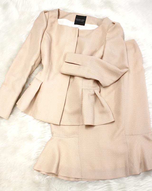 可愛らしいお色のピンクベージュスカートスーツ<br />Pink beige skirt suit of the pretty color