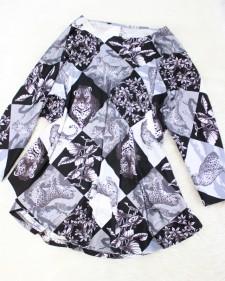 春らしいヒラヒラのマント風トップス♪<br />Mantle-like tunic dress.