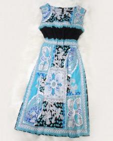 爽やかブルーのエスニック模様生地を使った涼し気なノースリーブワンピース<br />/ The cool no sleeve dress using the ethnic design cloth of the refreshing blue.