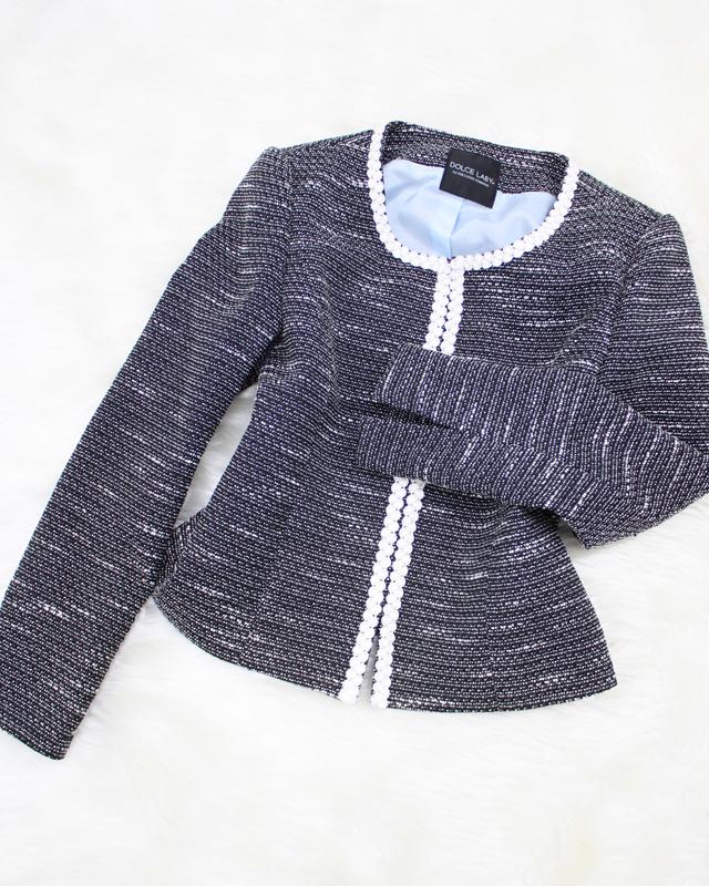 着回し易いグレートーンのツイード生地ノーカラージャケット/<br />Tweed fabric no-collar jacket of the gray tone that it is easy to mix-and-match.