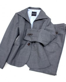 千鳥グレー生地が美しい ハイカラージャケットとフレアパンツ/<br />A high collar jacket and the flare pants that plover pattern gray cloth is beautiful.
