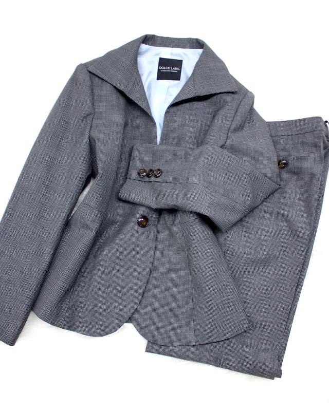 千鳥グレー生地が美しい ハイカラージャケットとフレアパンツ/<br />A high collar jacket and the flare pants that plover pattern gray cloth is beautiful.