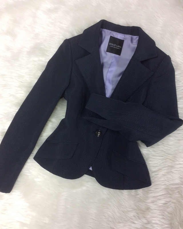 着回しのきく紺柄ジャケット/<br />A navy blue jacket you can easily mix and match