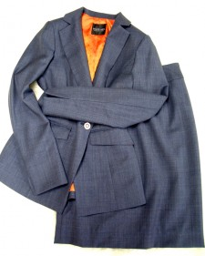 卒業式・入学式に☆ネイビースカートスーツ/<br />Navy skirt suit for an entrance ceremony, graduation ceremonies