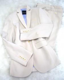 ベージュ柄パンツスーツで気分を新たに♫/<br />In beige pattern trouser suit a feeling newly