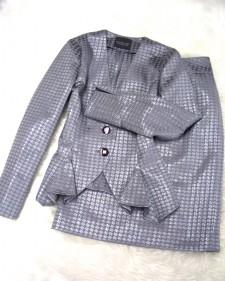 シルバー柄スカートスーツ/<br />Silver patterned skirt suit