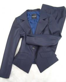 紺ストライプパンツスーツ/<br />Navy blue striped pants suit
