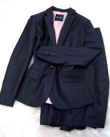 シルクグレースカートスーツ/<br />Silk gray skirt suit