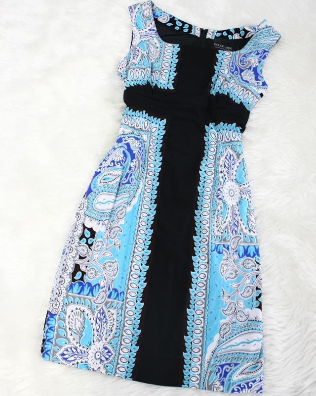 水色×黒ワンピース/<br />Light blue × black dress