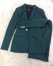 濃グリーンパンツスーツ/<br />Dark green pants suit