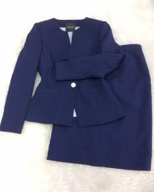 ネイビー柄スカートスーツ/<br />Navy skirt suit