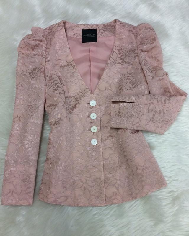 ピンクレースパワーショルダージャケット/<br />Pink lace power shoulder jacket