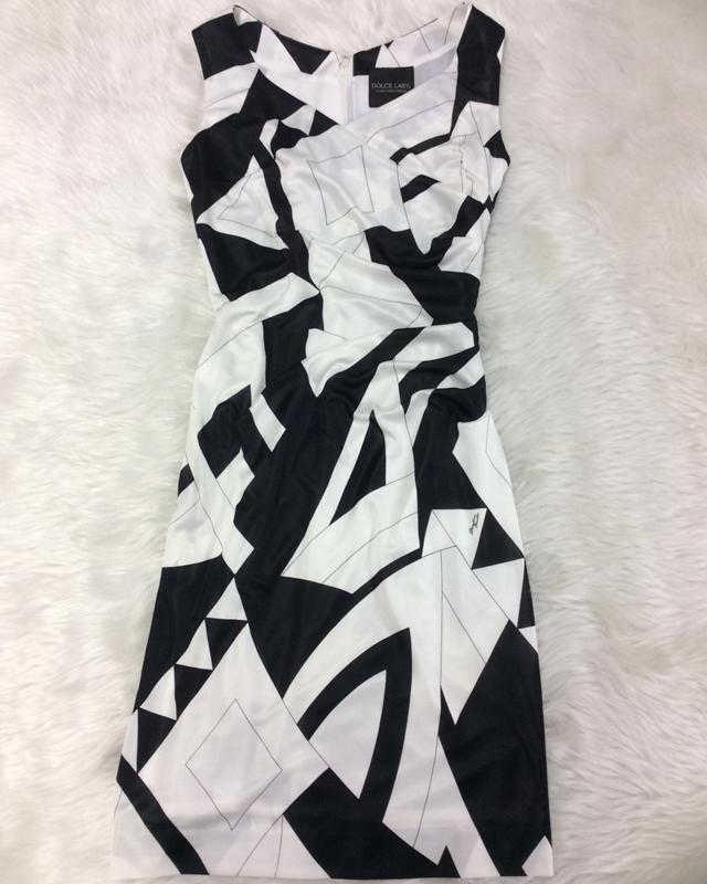 プッチ白黒ウエストタックワンピース/<br />Pucci black and white waist tuck dress