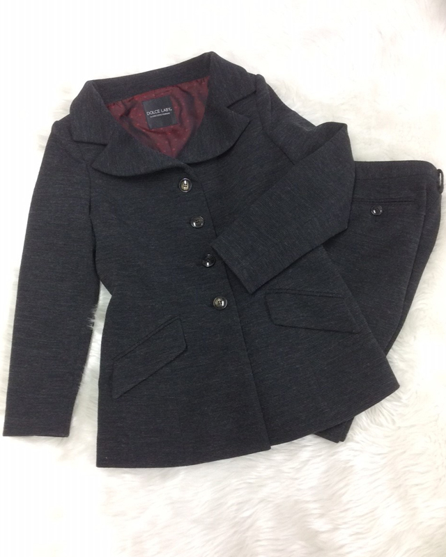 チャコールニットパンツスーツ/<br />Charcoal knit pants suit