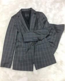グレーチェックパンツスーツ/<br />Gray check pants suit
