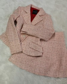 ピンクツイードスカートスーツ/<br />Pink tweed skirt suit