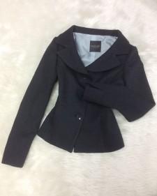 黒ラメデコルテジャケット<br />Black lamé de corte jacket