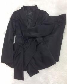 黒サテン調パンツスーツ/<br />Black satin pants suit