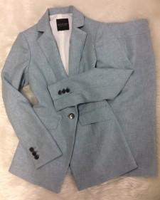 淡ブルースカートスーツ/<br /> Light blue skirt suit