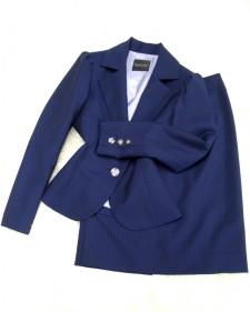 紺ストライプスカートスーツ/<br />Navy blue striped skirt suit