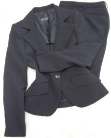 ブラックパンツスーツ/<br />Black pants suit