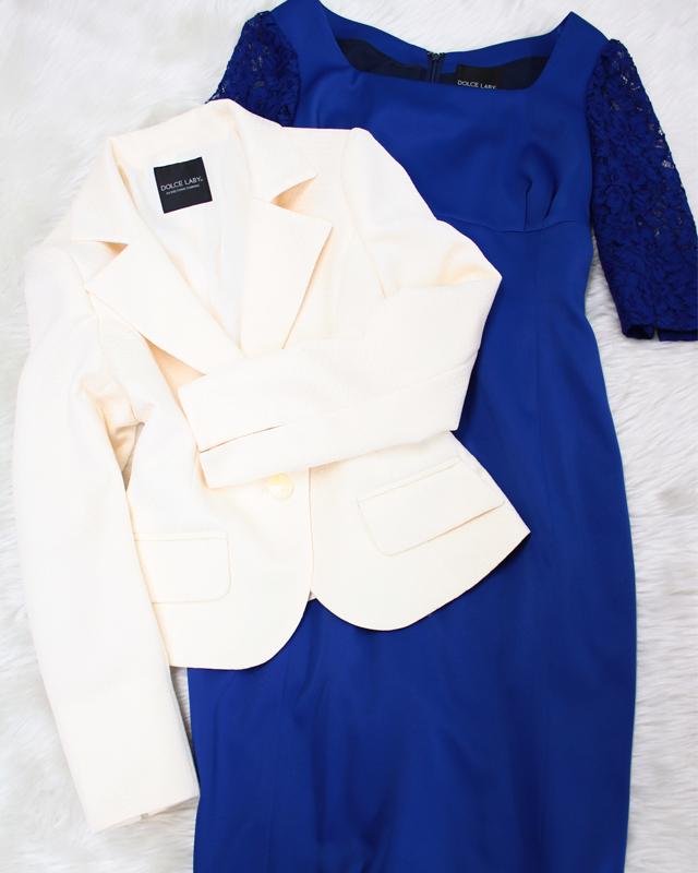 白ジャケット・青レース袖ワンピース/<br>White jacket, blue lace sleeve  one piece dress