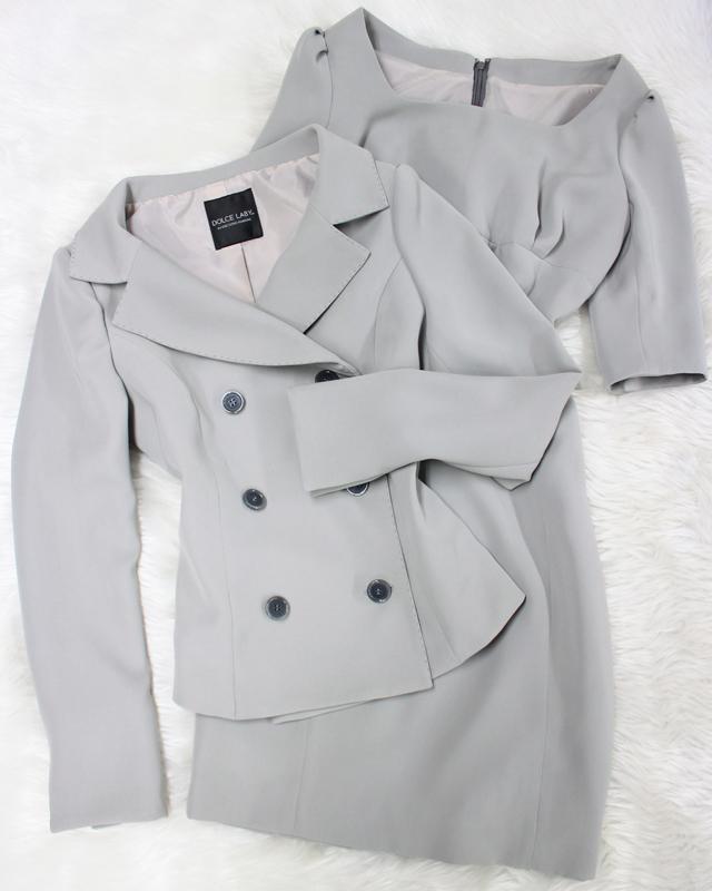 淡グレーワンピーススーツ/<br />Light gray one piece suit