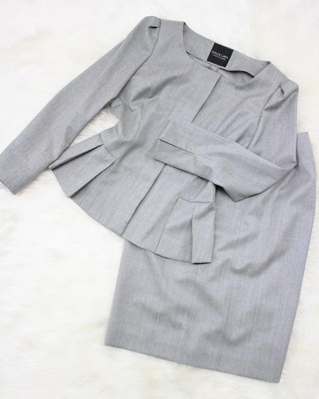 グレーペプラムスカートスーツ/<br />Gray peplum skirt suit